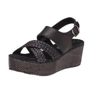 New Very Volatile black LIV wedge sandals